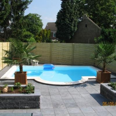 Zwembad en zwembad overkapping